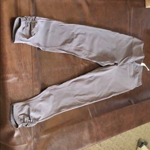 Lulu leggings 7/8 length - euc